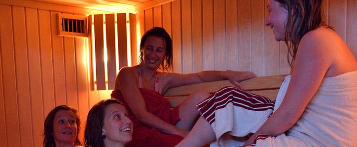 Moment-détente-au-sauna