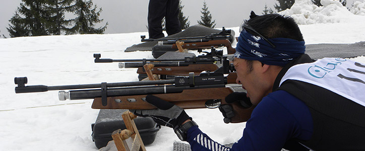 concentration-au-tir-pendant-un-biathlon